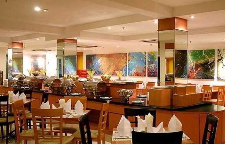 Baron Beach Hotel - Restaurant - 12