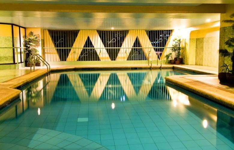 Berjaya Hotel - Pool - 3