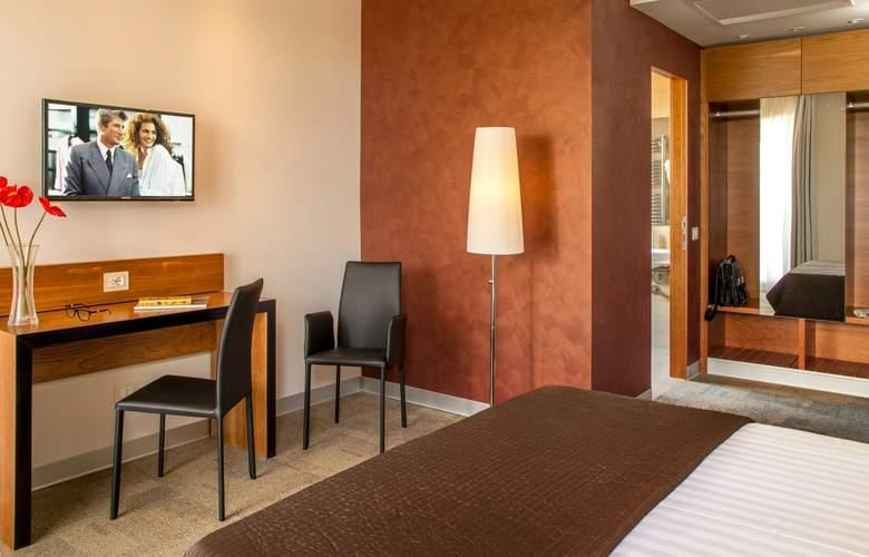 San Paolo Roma - Room - 8