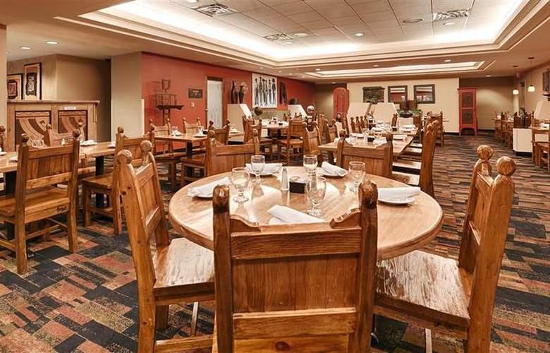 Best Western Plus Rio Grande Inn - Restaurant - 77