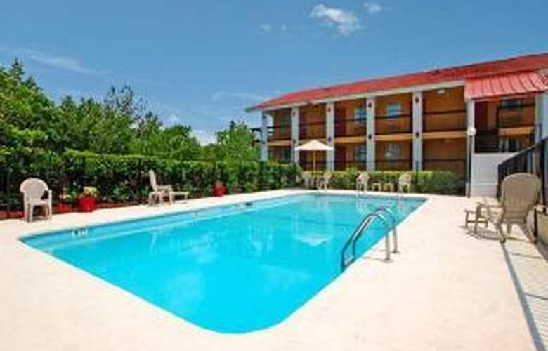 Quality Inn Downtown Columbia - Pool - 6