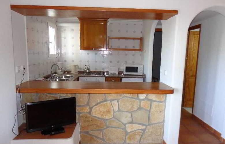 Benet - Los Pinares I - Room - 5