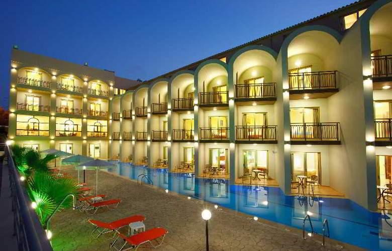 Agelia Beach Hotel - Hotel - 0