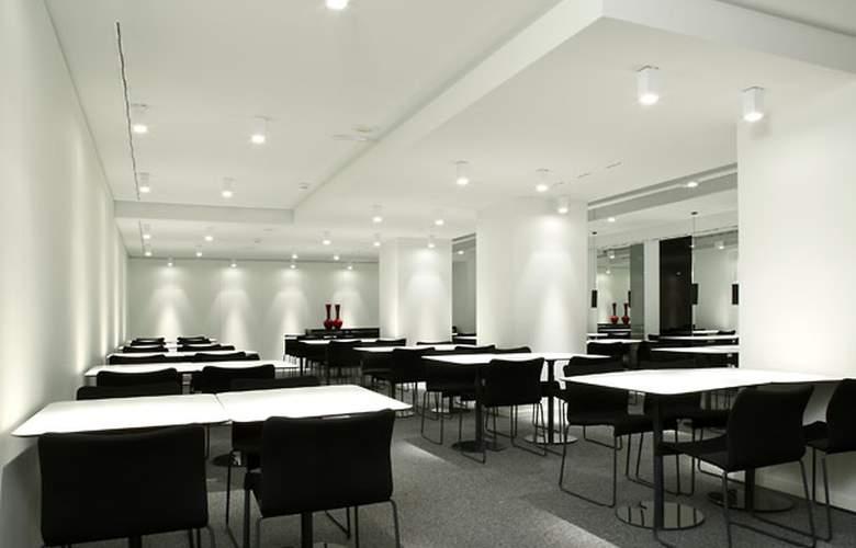 AC Ciudad de Pamplona - Restaurant - 10