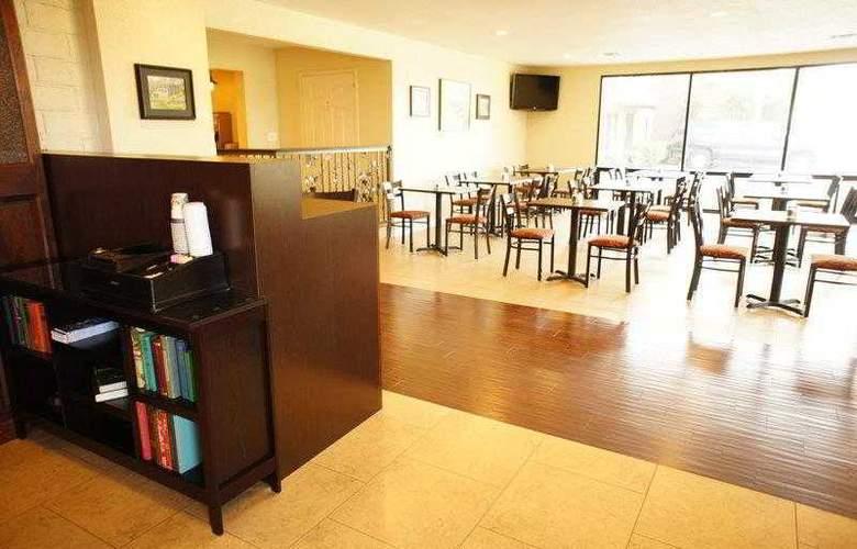 Best Western Plus Orchard Inn - Hotel - 7