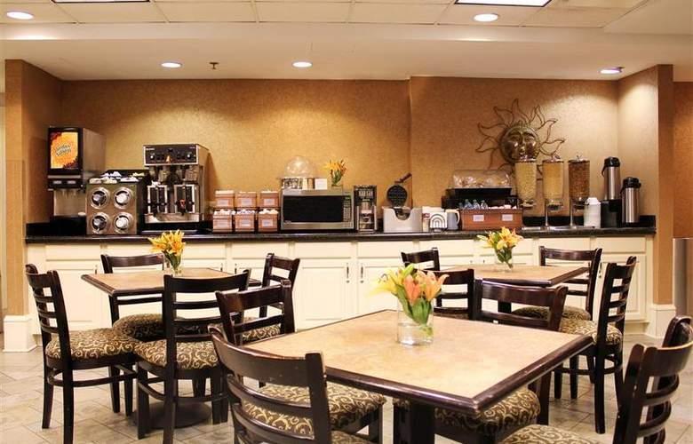 Best Western Plus St. Christopher - Restaurant - 94