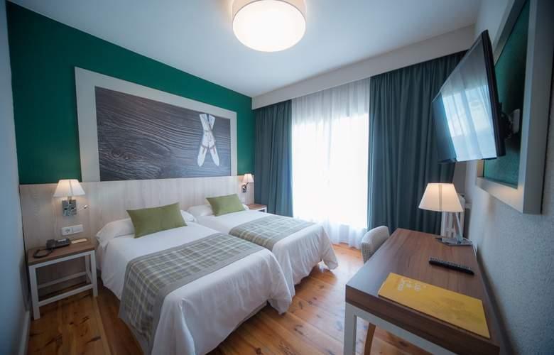 Gran Hotel Jaca - Room - 2