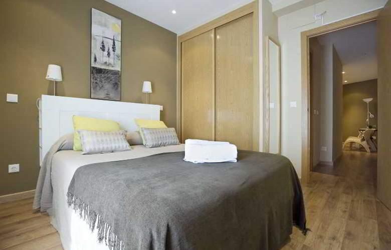 Apartamentos Numancia - Room - 4