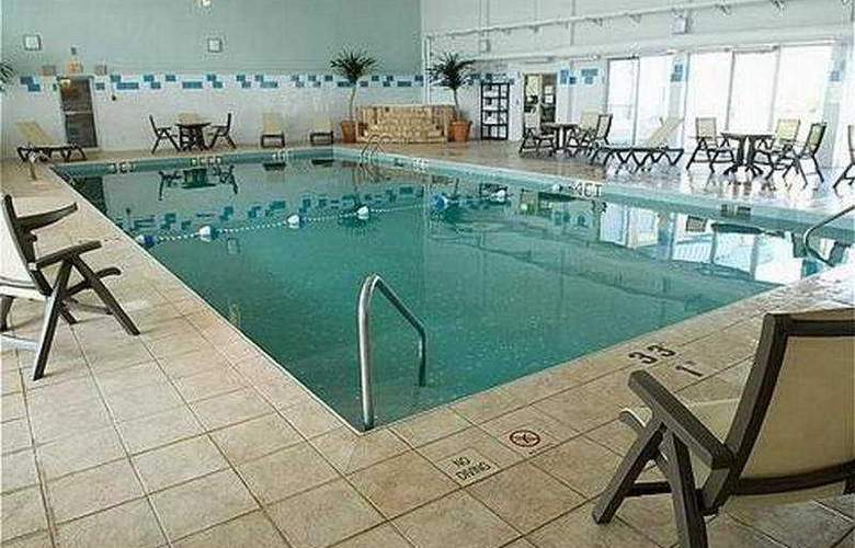 Holiday Inn Express Magnetic Hill - Pool - 4