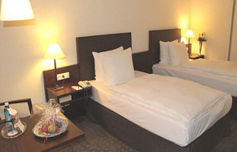 Ramada Nuernberg Parkhotel - Room - 2