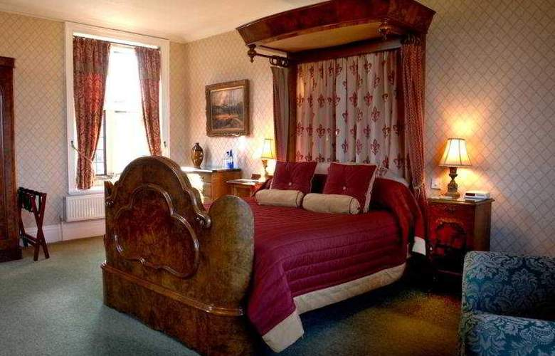 Dunsley Hall Country House Hotel - Room - 0