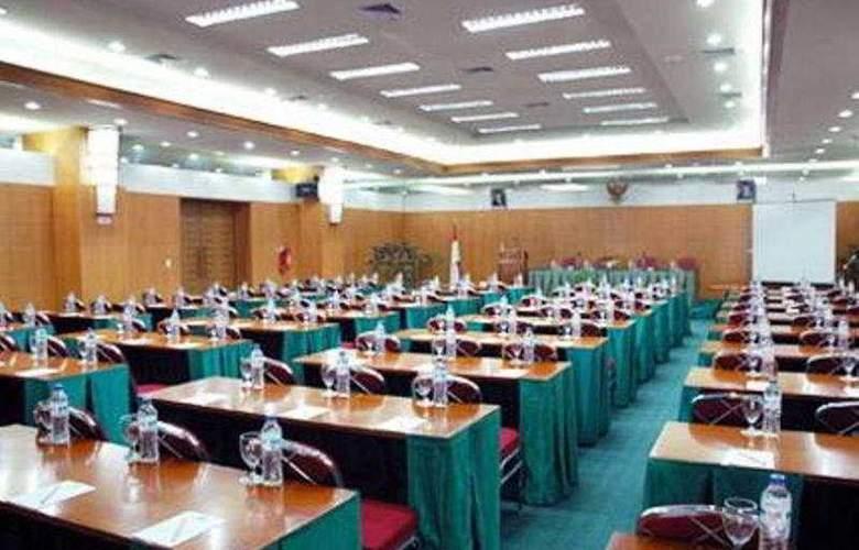 Bisanta Bidakara - Conference - 3