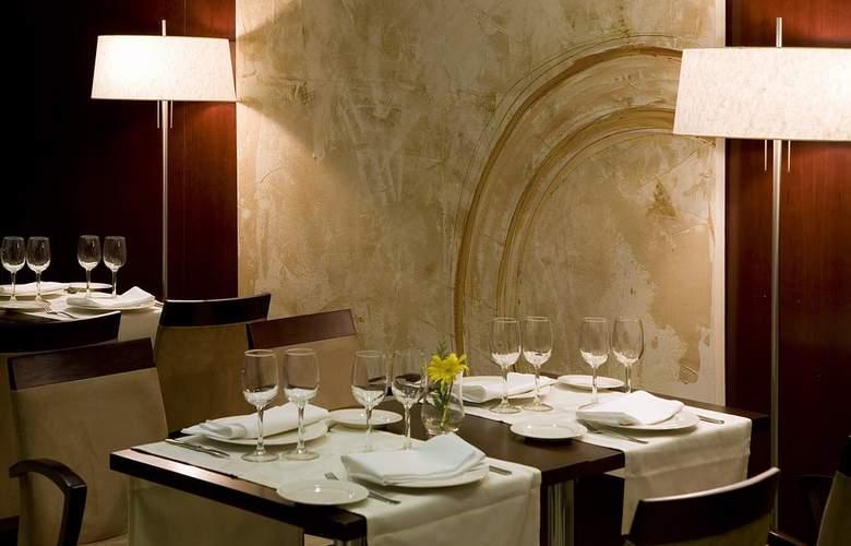 Zenit Coruña - Restaurant - 40