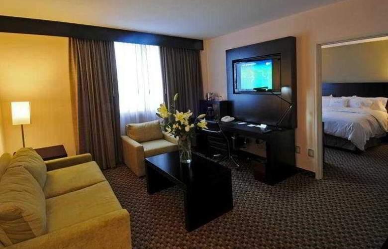 DoubleTree By Hilton Queretaro - Room - 11