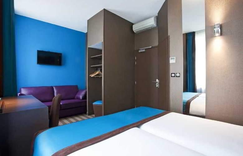 Hotel Des Savoies - Room - 9