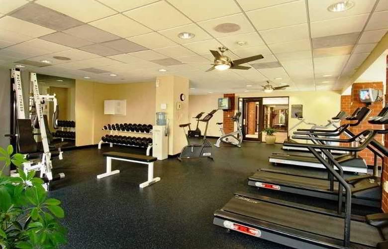 Holiday Inn Dulles International Airport - Sport - 4