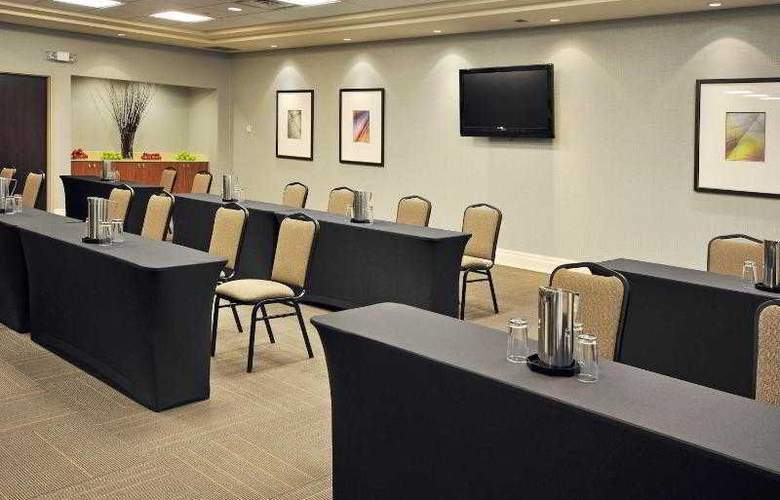 Holiday Inn Express & Suites Vaughan - Hotel - 12