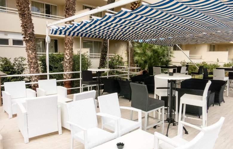 Globales Cala Bona Suites - Terrace - 15