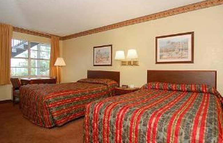 Econo Lodge West - Room - 4