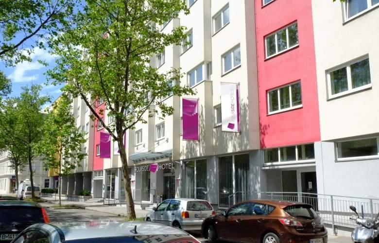Fourside Hotel & Suites Vienna - Hotel - 0