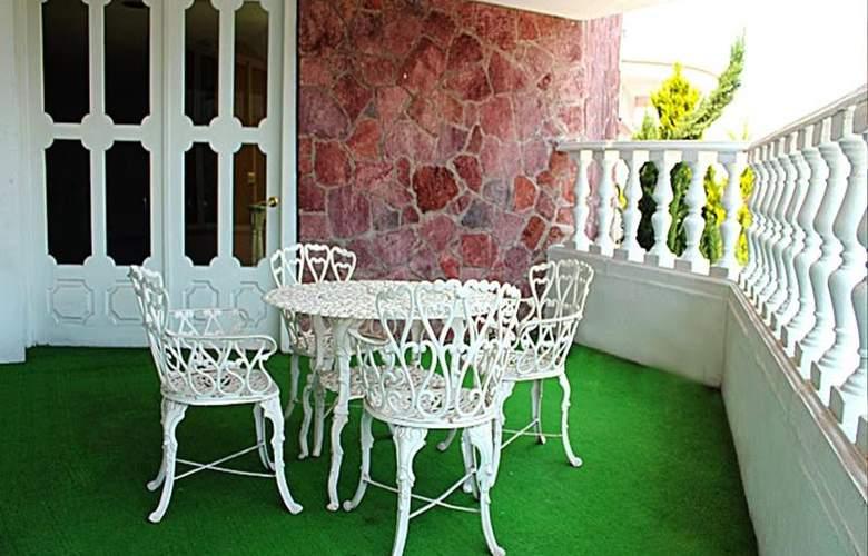 Best Western Toluca - Terrace - 50