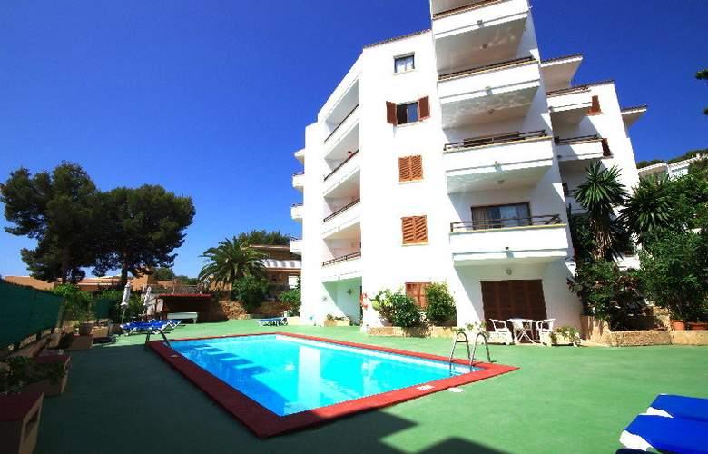 Marina Apartamentos - Pool - 11