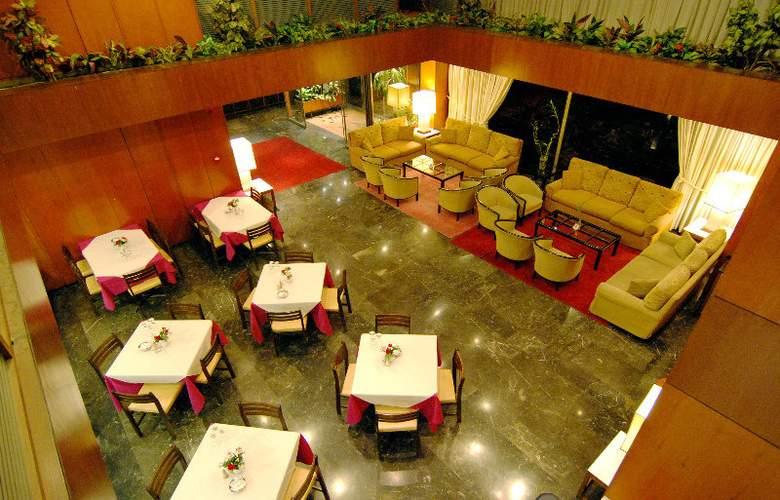 Iniohos Hotel - Restaurant - 11