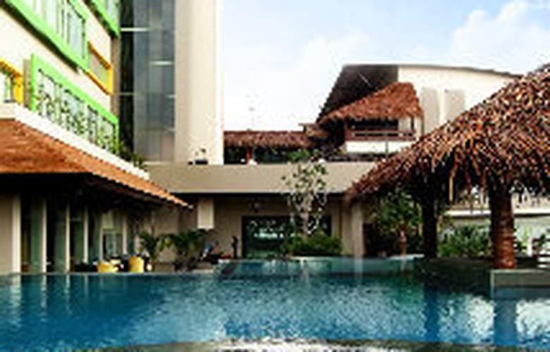 Bannana Inn Hotel & Spa - Pool - 7