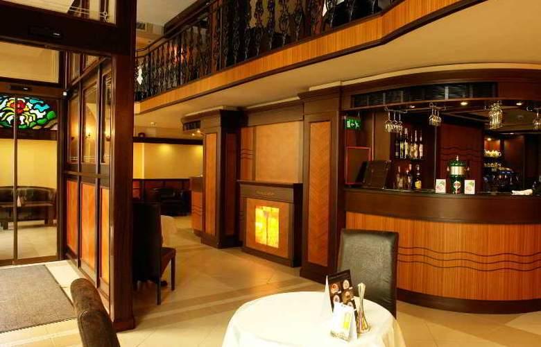 Residence Baron - Bar - 11
