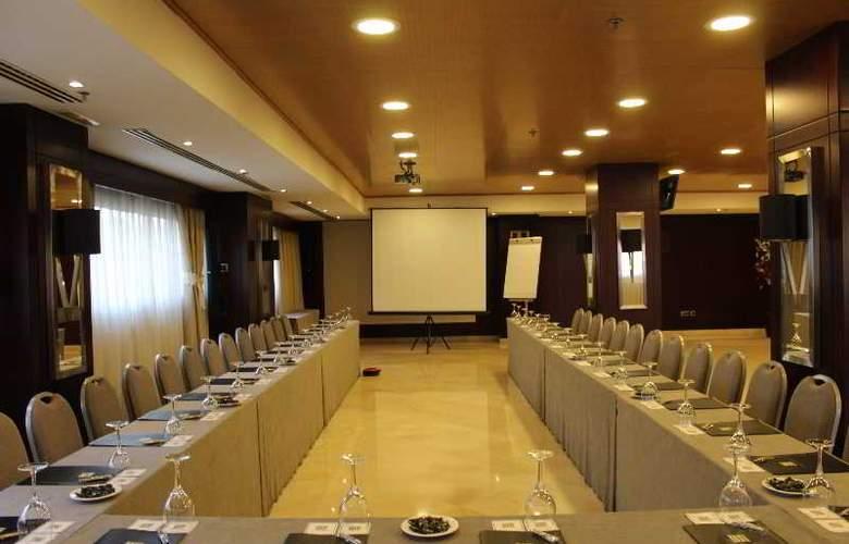 Valencia Center - Conference - 4
