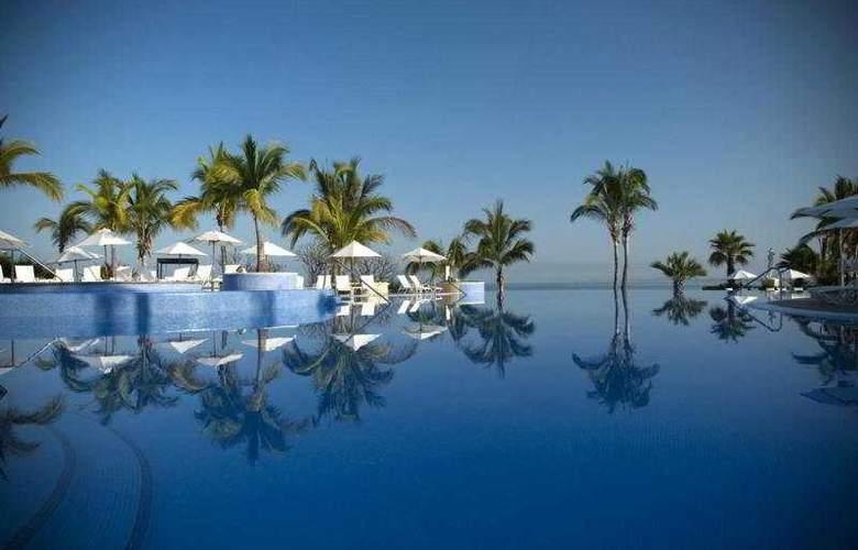 Pueblo Bonito Emerald Bay Resort & Spa - Pool - 3