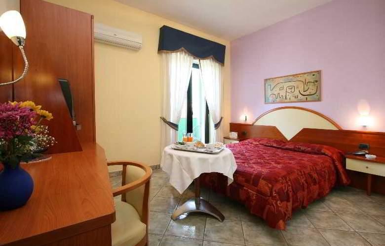 Maiuri - Room - 18