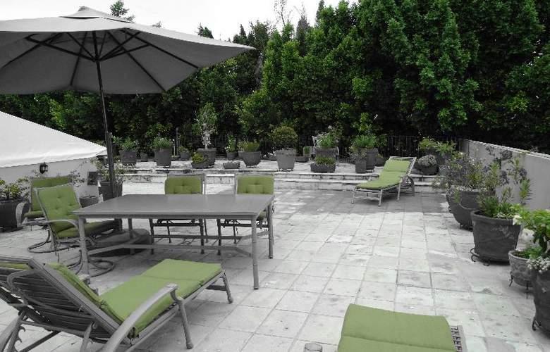 Aitana - Terrace - 15
