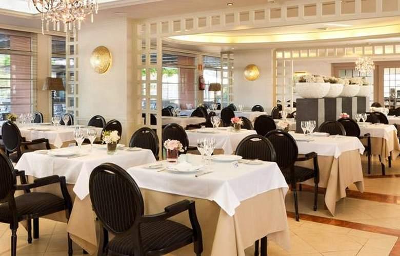 Sol Barbacan - Restaurant - 40
