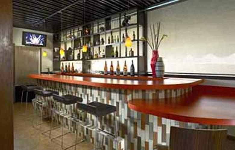 Best Western Hotel Tomo - Bar - 1