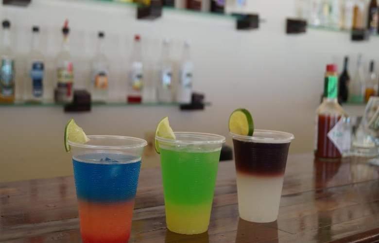 Solymar Beach Resort - Bar - 22