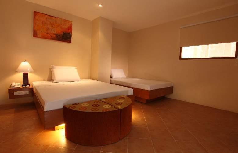 Gran Prix Manila - Room - 1