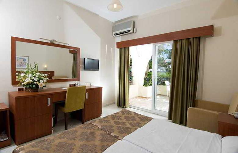 Vera Miramar Resort - Room - 8