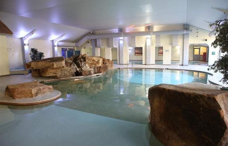 Best Western Park Hall - Pool - 234