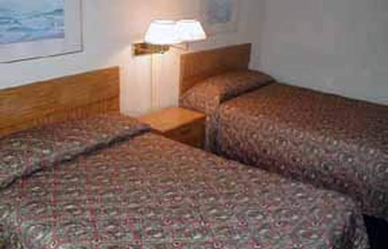Rodeway Inn (New Cumberland) - Room - 2