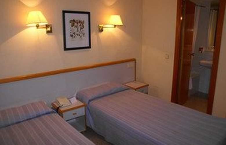 Izan Prado Real - Room - 2