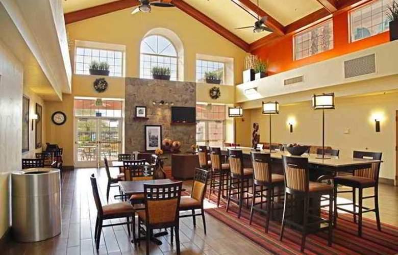 Hampton Inn & Suites Scottdale - Hotel - 6
