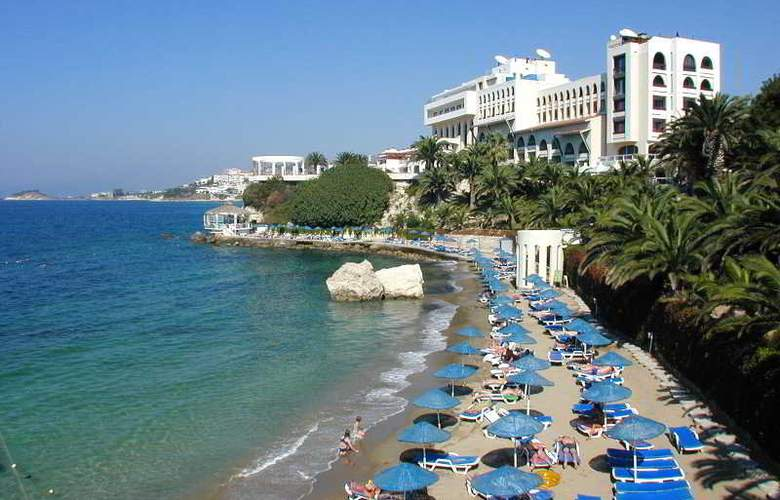 Hotel Imbat - Beach - 2