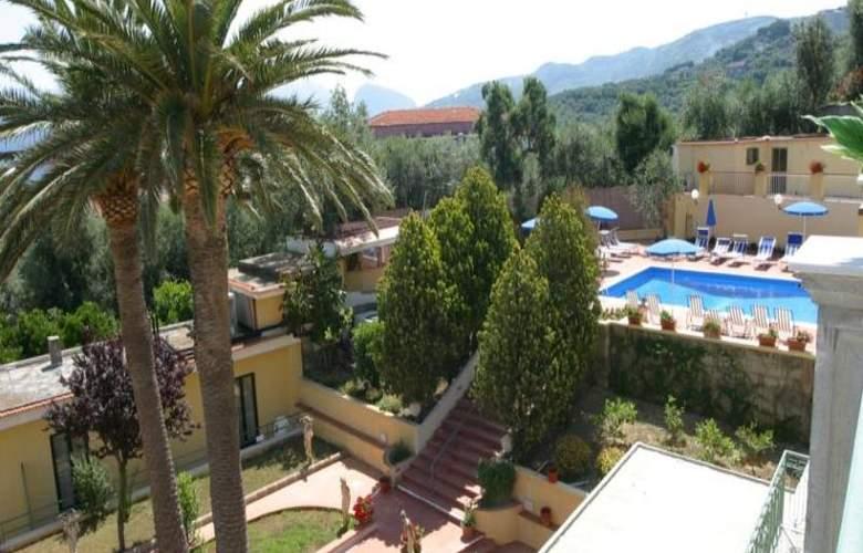 Villa Igea - Pool - 14