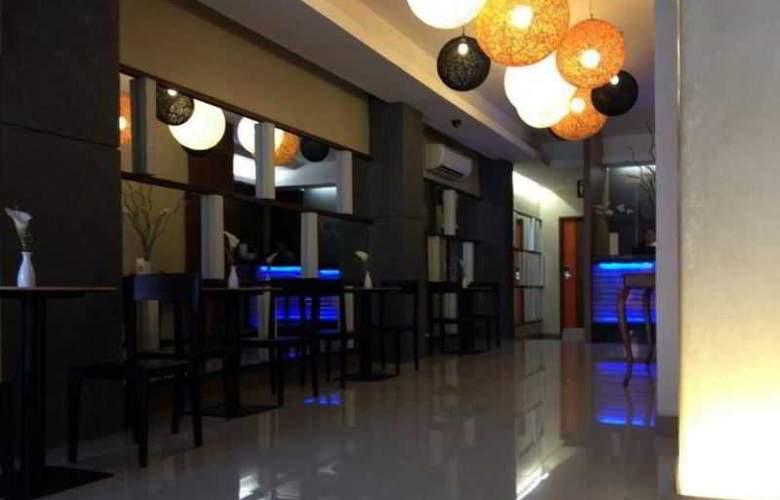 Cuarto Hotel - General - 3