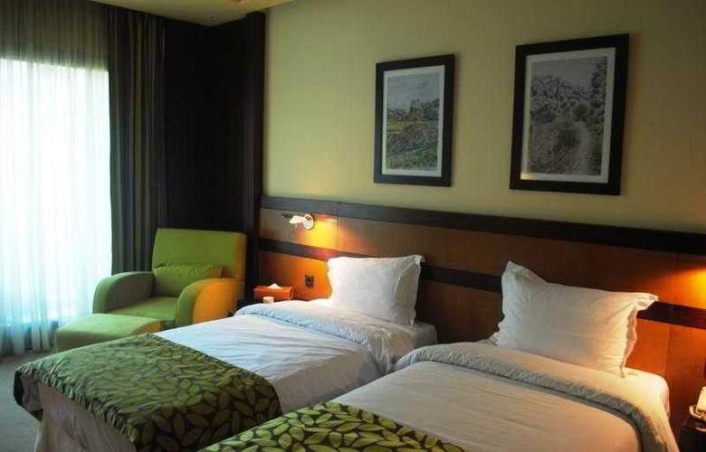 Coral Beirut Al Hamra - Room - 4