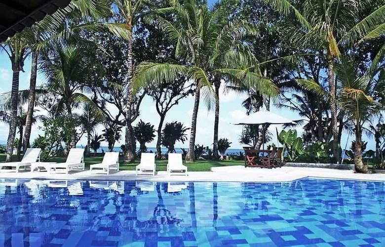 Legong Keraton Beach - Pool - 14
