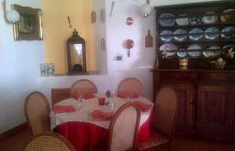 Hotel Mont Blanc - Restaurant - 20