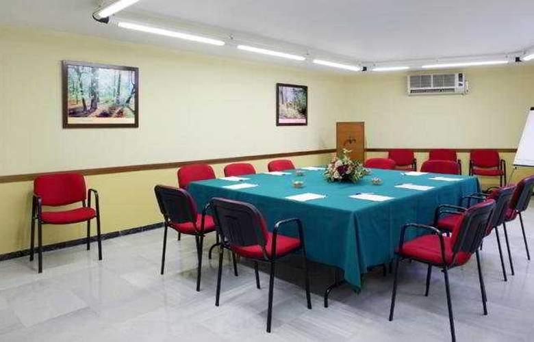 Monte Triana - Conference - 5