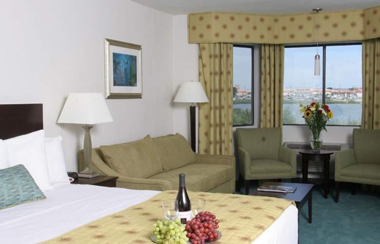 Hampton Inn Monterey - Room - 2